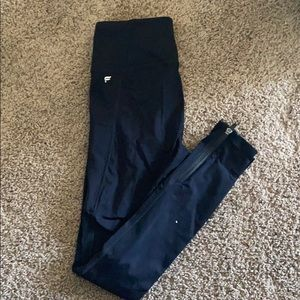Black Fabletics leggings